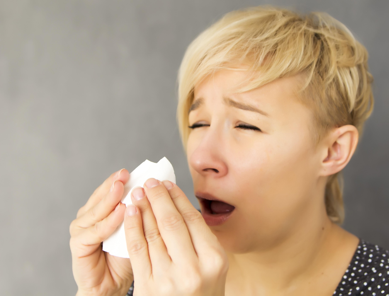 картинки чихающих и кашляющих людей доска