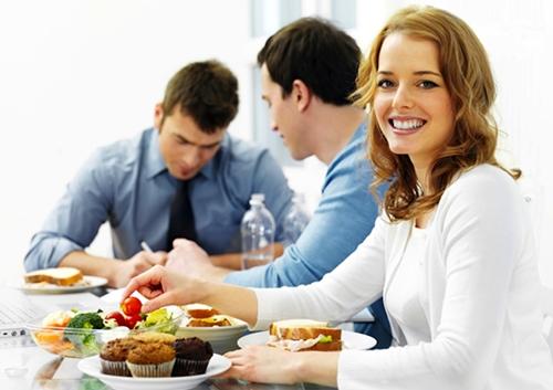 Бесплатная доставка еды в Алматы на дом и офис